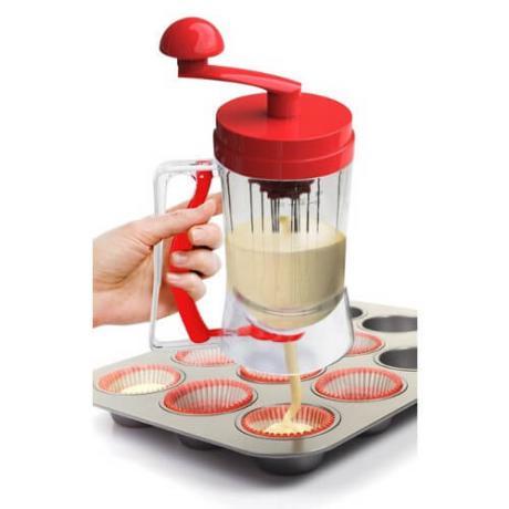 Уред за приготвяне на смес за палачинки