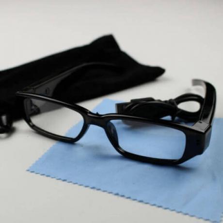 Bluetooth очила за преписване с магнитни микрослушалки